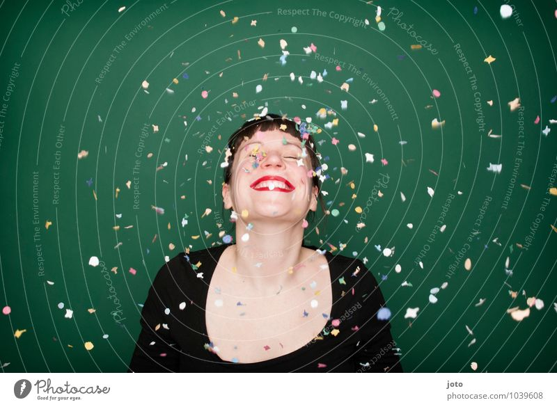 "confetti series ""green"" Joy Happy Night life Party Feasts & Celebrations Carnival New Year's Eve Birthday Human being Young woman Youth (Young adults) To enjoy"