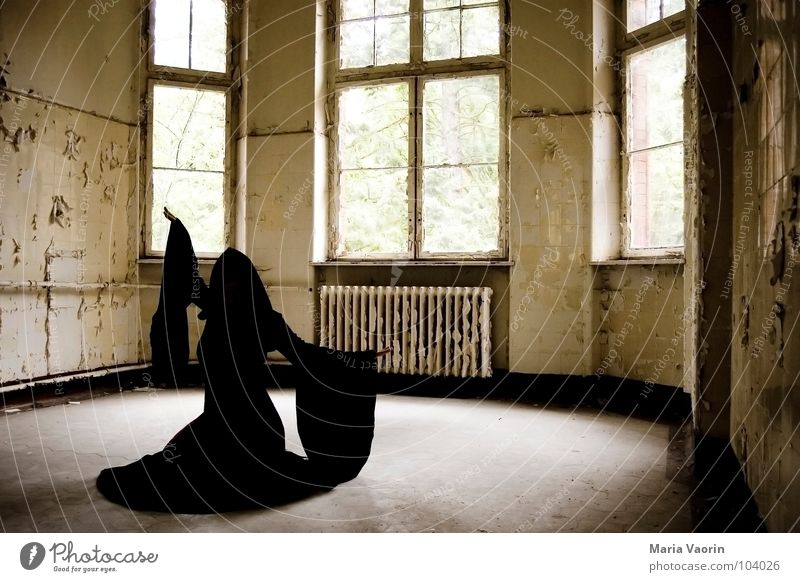 Loneliness Dark Dance Gloomy Broken Transience Derelict Obscure Decline Ghosts & Spectres  Coat Mystic Hooded (clothing) Magic Phenomenon Costume