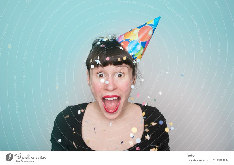 Alaaf! Joy Happy Contentment Party Feasts & Celebrations Carnival New Year's Eve Birthday Human being Young woman Youth (Young adults) Hat Laughter Scream Throw