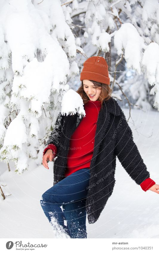 Ups Human being Feminine Young woman Youth (Young adults) Woman Adults 1 18 - 30 years Snow Tree Cap Brunette Long-haired Movement Laughter Walking Esthetic