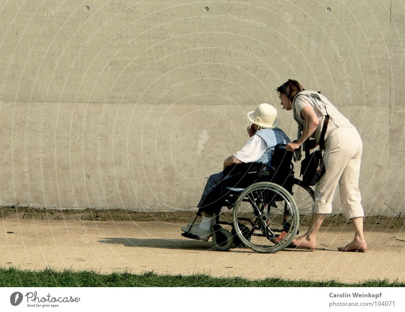 Human being Woman Old Adults Wall (building) To talk Senior citizen Lanes & trails Movement Coast Wall (barrier) Together Work and employment Going Help