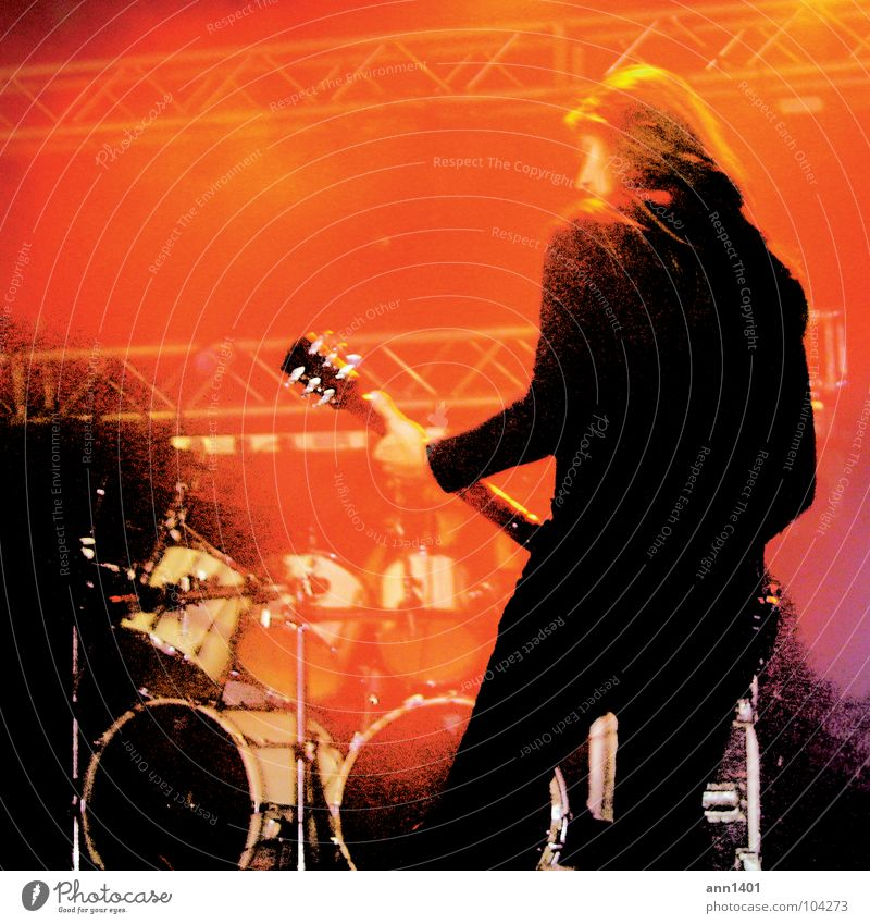 Man Red Black Music Back Shows Concert Rock music Guitar Stage Sound Floodlight Musician Drum set Listening