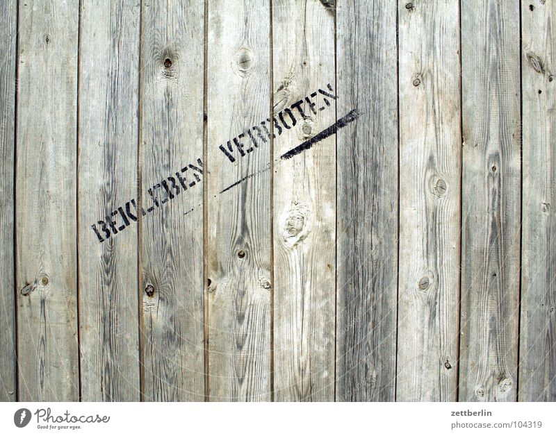 Wall (building) Wood Graffiti Arrangement Characters Clean Letters (alphabet) Write Hut Signage Fence Typography Wooden board Bans Tradition Divide