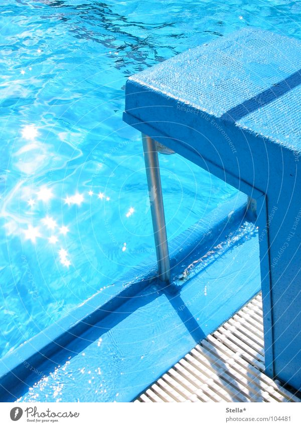 A jump in the wet Open-air swimming pool Block Pool border Wet Jump Leisure and hobbies Blue Water Reflection