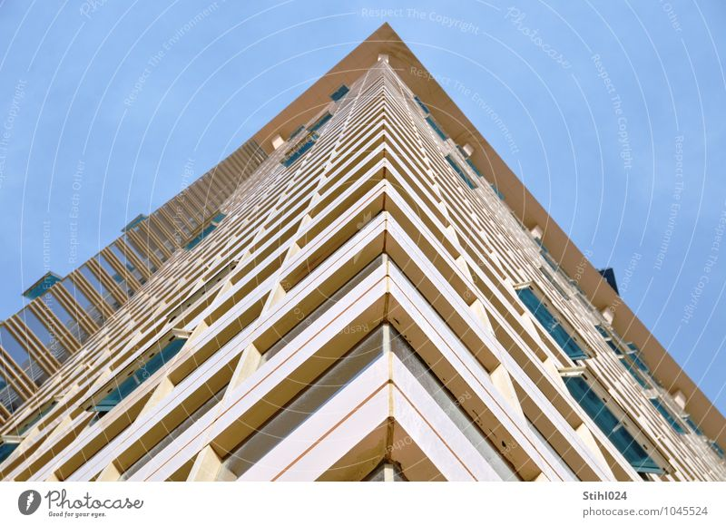 Blue House (Residential Structure) Architecture Building Brown Facade Living or residing High-rise Tall Large Esthetic Corner Fear of heights Skyline