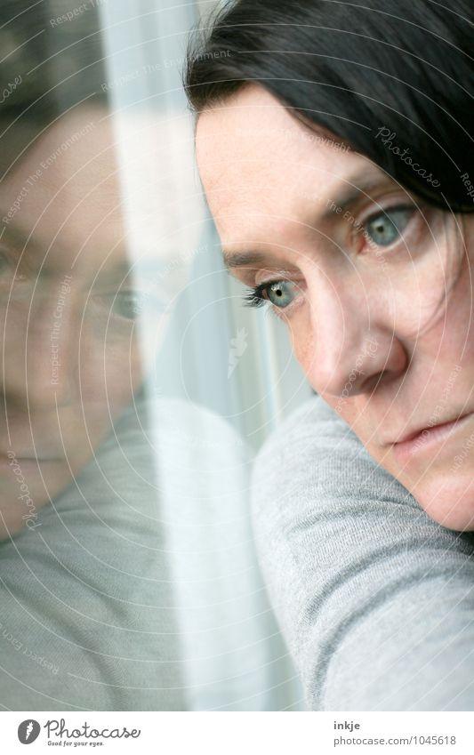 ...et la tristesse Lifestyle Woman Adults Face 1 Human being 30 - 45 years Window Window pane Mirror image Pane Glass Think Dream Sadness Wait Emotions Moody