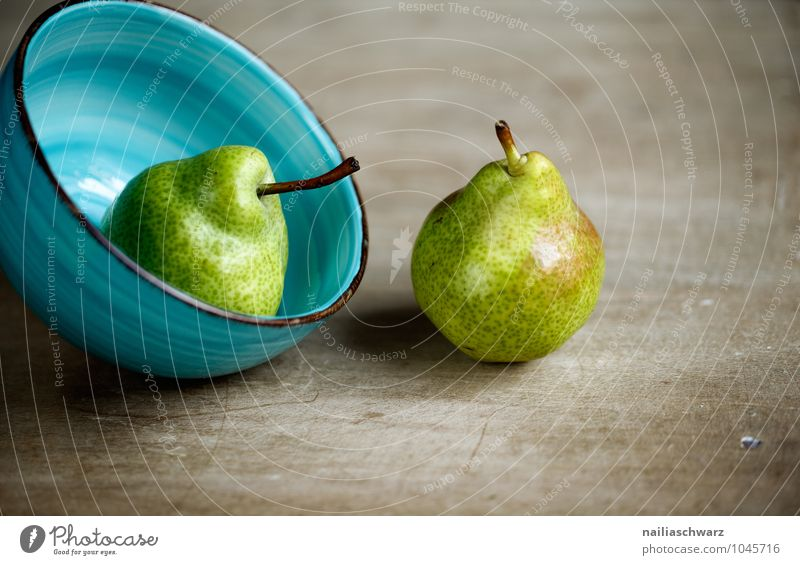 pears Food Fruit Pear Organic produce Vegetarian diet Diet Fasting Bowl Healthy Natural Juicy Sour Beautiful Sweet Blue Brown Yellow Green Together Orderliness