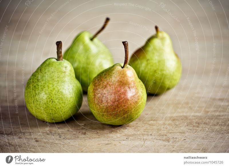 Fresh pears Food Fruit Pear Organic produce Vegetarian diet Diet Fasting Wood Fragrance Authentic Simple Healthy Small Delicious Natural Round Juicy Beautiful