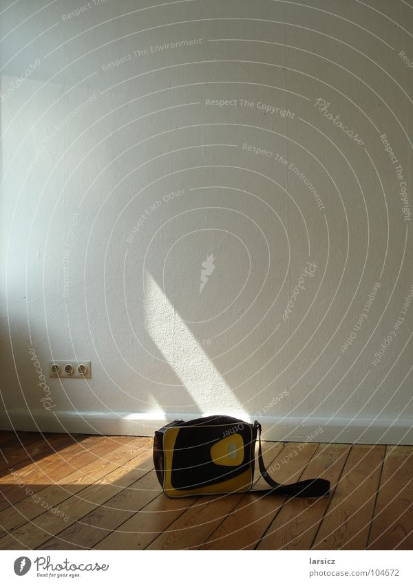 Sun Wall (building) Wood Electricity Retro Floor covering Things Wallpaper Moving (to change residence) Bag Hallway Socket Old building Ingrain wallpaper