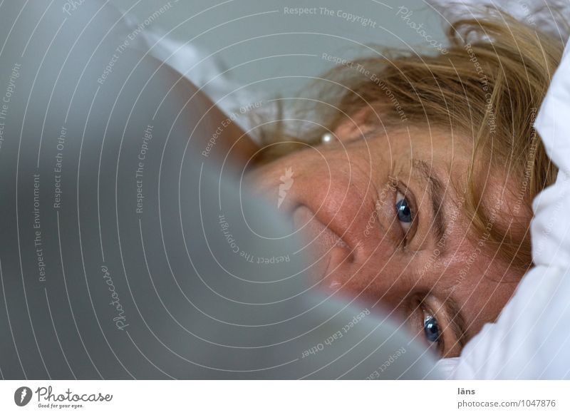 Submerged Bed Bedroom Human being Feminine Woman Adults Life Head Hair and hairstyles Face Eyes 1 45 - 60 years Blonde Observe Lie Looking Wait Friendliness