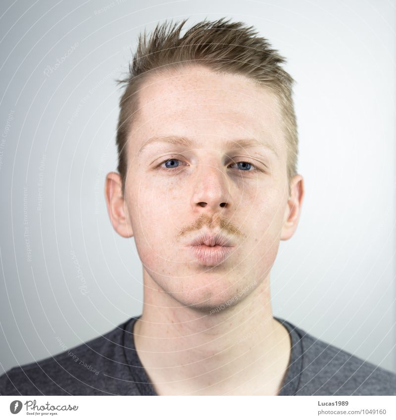 Beard Kiss Human being Masculine Young man Youth (Young adults) Man Adults Head Face Mouth Facial hair Moustache hair 1 18 - 30 years Blonde Short-haired