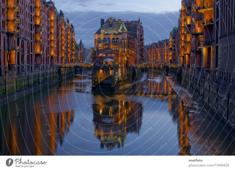 Hamburg Speicherstadt at night 1 Water Night sky Summer River bank Port of Hamburg Old warehouse district Town Port City Deserted House (Residential Structure)