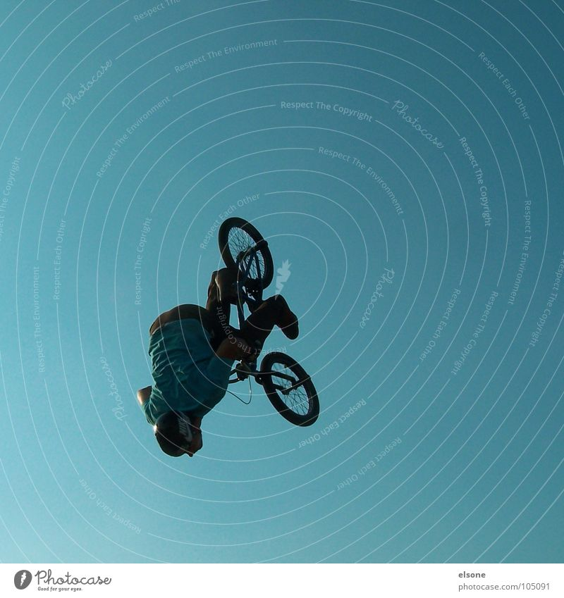 Blue Joy Sports Jump Bicycle Flying Leisure and hobbies Brave Beautiful weather BMX bike Recklessness Funsport 2007 Extreme sports Back somersault