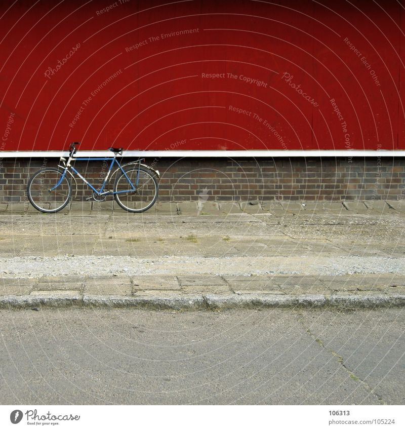 made in gdr Motorsports Bicycle Town Wall (barrier) Wall (building) Lanes & trails Metal Rust Old Driving Trashy Blue Red White Power Worn out Graphic Socialism