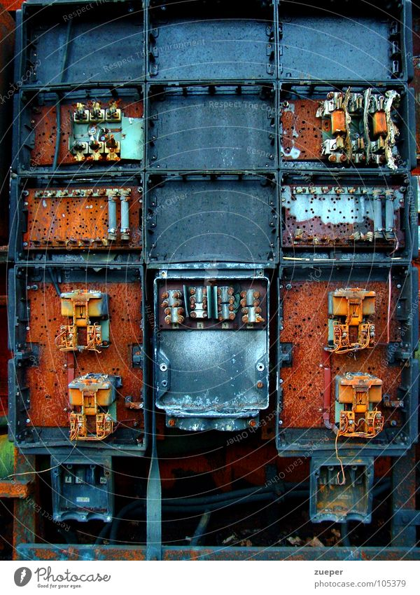 Electric cabinet Colour photo Exterior shot Experimental Structures and shapes Deserted Day Long shot Front view Factory Industry Technology Rust Old Brown