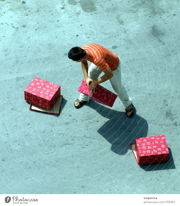 Man Red Street Gray Shopping Concrete 3 Gift Multiple Loudspeaker Many Crate Carrying Goods Heavy Exciting