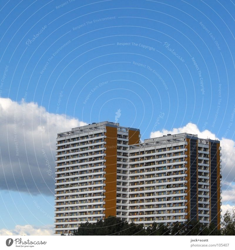 modular circuit board design II City Blue Loneliness Clouds Environment Spring Facade Lifestyle Air Living or residing Gloomy Modern Authentic High-rise Tall