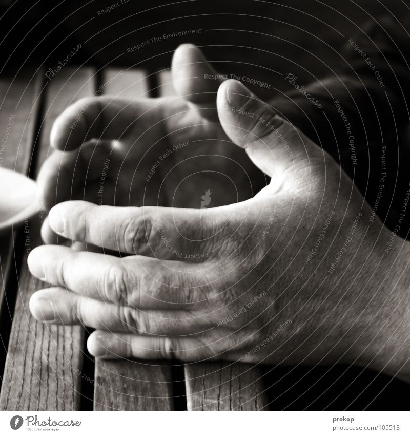 Man Hand Senior citizen Dark To talk Brown Power Body Skin Fingers Table Circle Communicate Passion Strong Speech