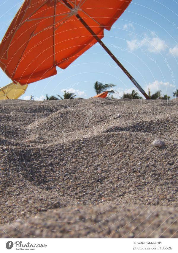 Red Summer Beach Vacation & Travel Relaxation Sand Coast Free USA Sunshade Florida Miami