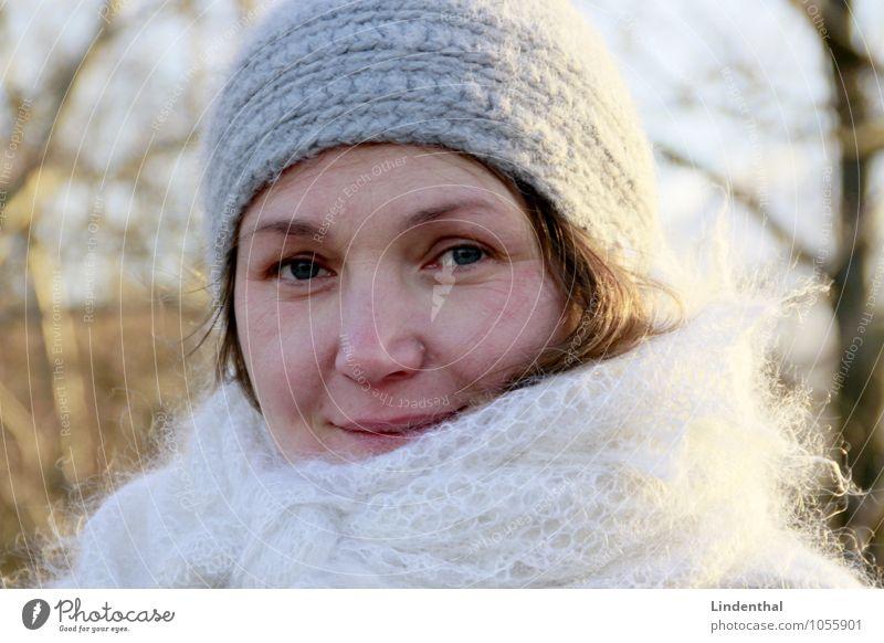 Berlin Portrait F#2b Human being Feminine Woman Adults Head Face 1 Blonde Winter Cap Twenties Laughter Portrait photograph Colour photo Exterior shot Day