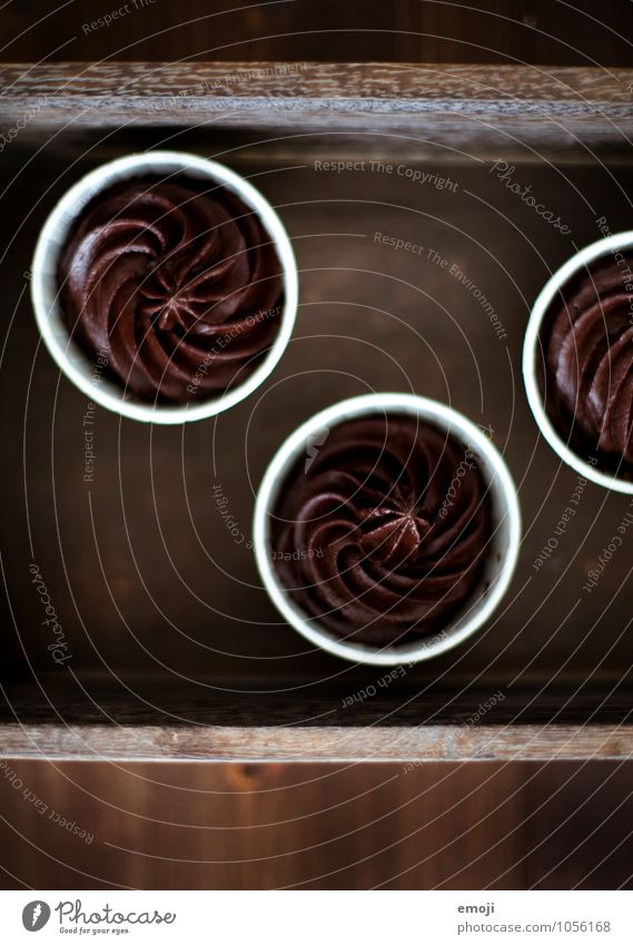@ Dessert Candy Chocolate Mousse Mousse au chocolat Nutrition Delicious Sweet Brown Rich in calories Colour photo Interior shot Deserted Neutral Background Day