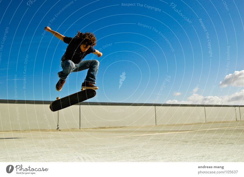 Man Sky Blue Clouds Jump Style Movement Wall (barrier) Flying Tall Action Cool (slang) Skateboarding Rotate Parking garage Rotation