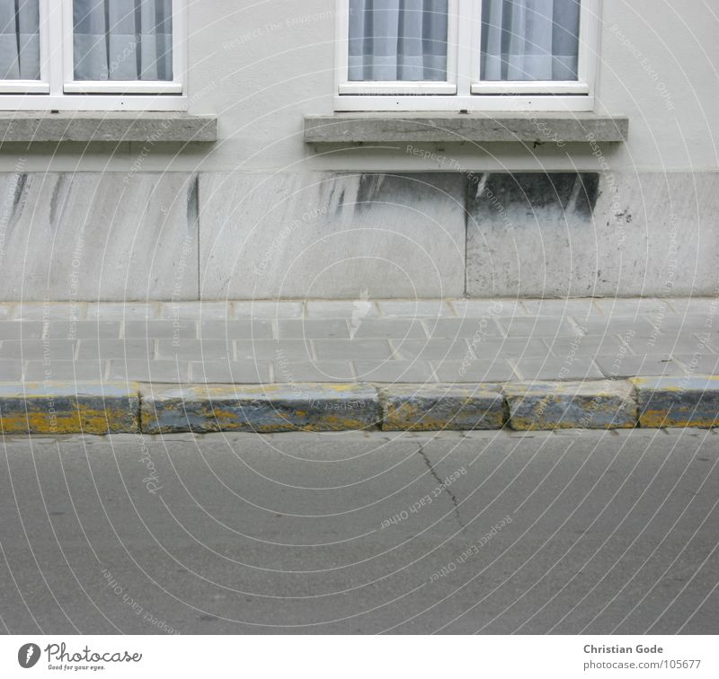 House (Residential Structure) Yellow Street Window Gray Stone Wall (barrier) Architecture Empty Asphalt Sidewalk Traffic infrastructure Drape Curtain Belgium