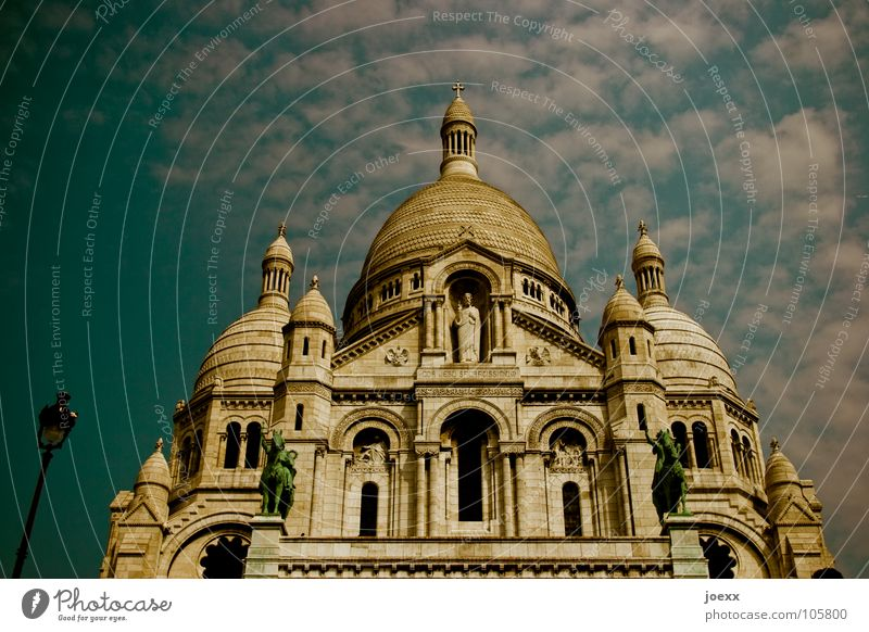 Sky Blue Clouds Religion and faith Tourism Round Roof Hill Paris Historic Statue France Capital city Domed roof Catholicism House of worship