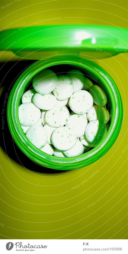 Green Colour Table Candy Medication Intoxicant Packaging Tin Pill Gully Chewing gum Dragee Bad breath Placebo