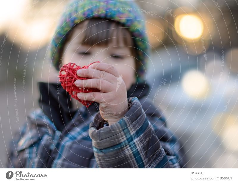 Human being Child Hand Emotions Love Boy (child) Moody Masculine Infancy Heart Warm-heartedness Fingers Friendliness Infatuation Toddler Parenting