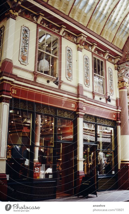 London Shopping Building Historic Architecture arcades