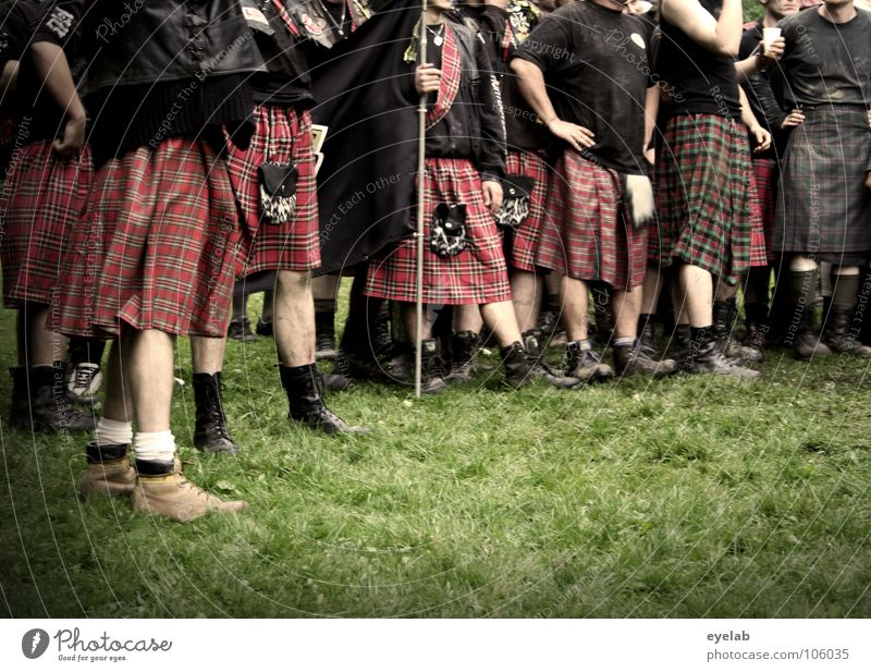 Supposed feminisation Scotsman Kilt Grass Highlands Great Britain Highland Games Band together Squad Playing War Tradition Argument Leisure and hobbies Boots