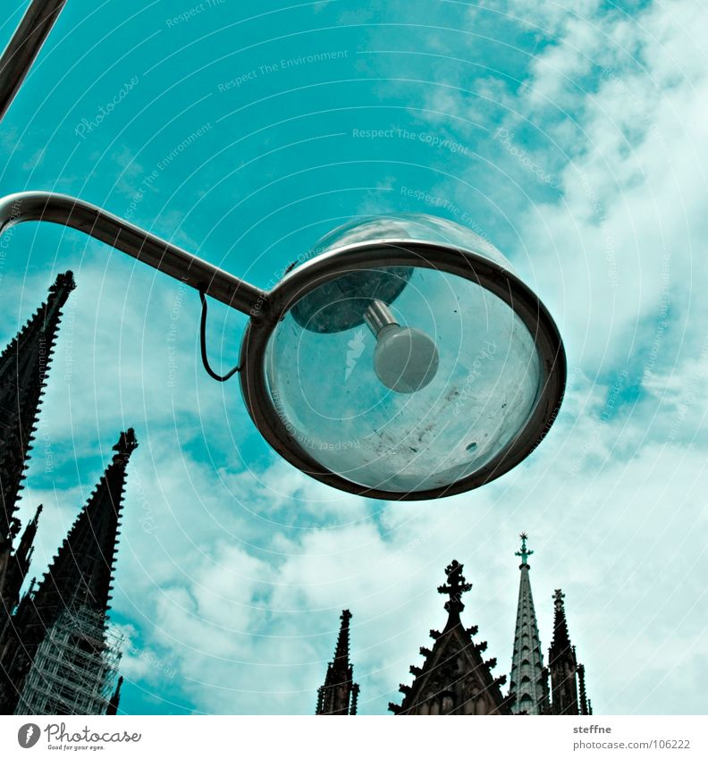 Urban et Orbi Lantern Lamp Light Clouds Deities House of worship White Black Green Colour error Church spire Cologne Summer Belief Awareness Landmark Monument