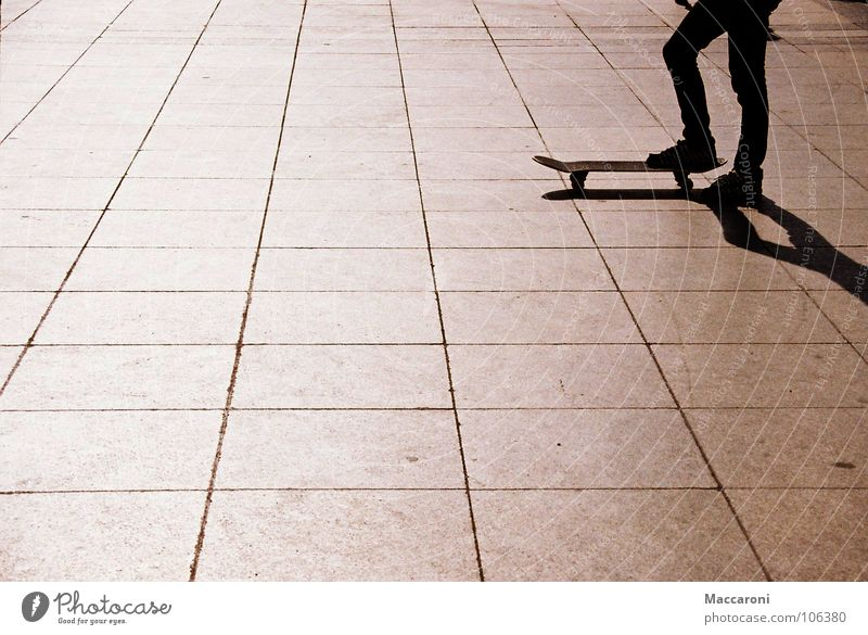 Ready to start Playing Sports Human being Legs Warmth Dome Means of transport Footwear Stand Black Skateboarding Cologne Physics Coil Paving tiles