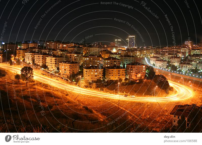 Levent / Istanbul @ Night House (Residential Structure) Light Turkey Flat (apartment) Residential area Places Traffic infrastructure Street Curve Skyline