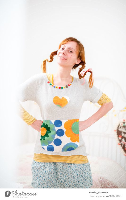 pippy Lifestyle Leisure and hobbies Playing Human being Feminine 1 Kitsch Crazy Joy Happy Happiness Pippi Longstocking Braids Red-haired Colour photo