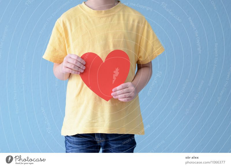 Human being Child Blue Hand Red Girl Yellow Life Love Feminine Family & Relations Infancy Arm Heart To hold on T-shirt