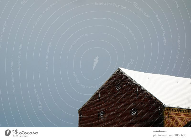 A winter barn Sky Sun Winter House (Residential Structure) Barn Brick Idyll Colour photo Exterior shot Deserted Day