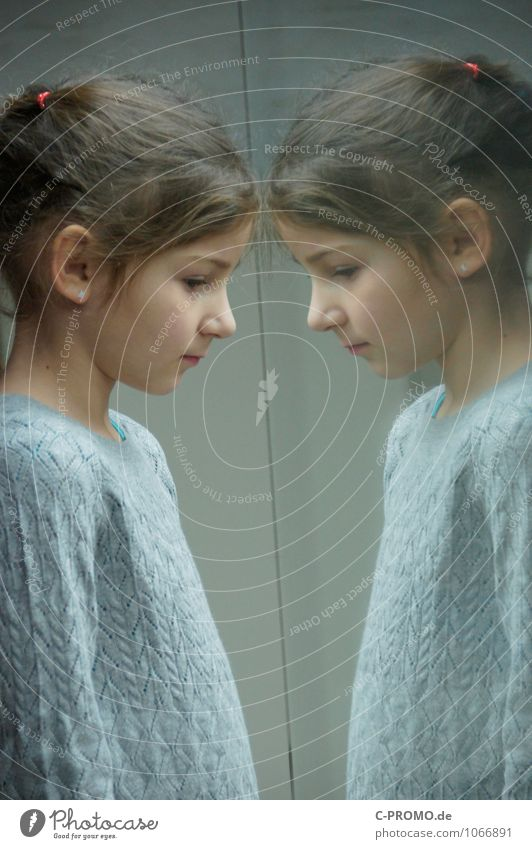Mirrored girl 4 Human being Feminine Sister Friendship Child Infancy Twin 3 - 8 years Sweater Earring brunette Glass Curiosity Gray Loneliness Perspective