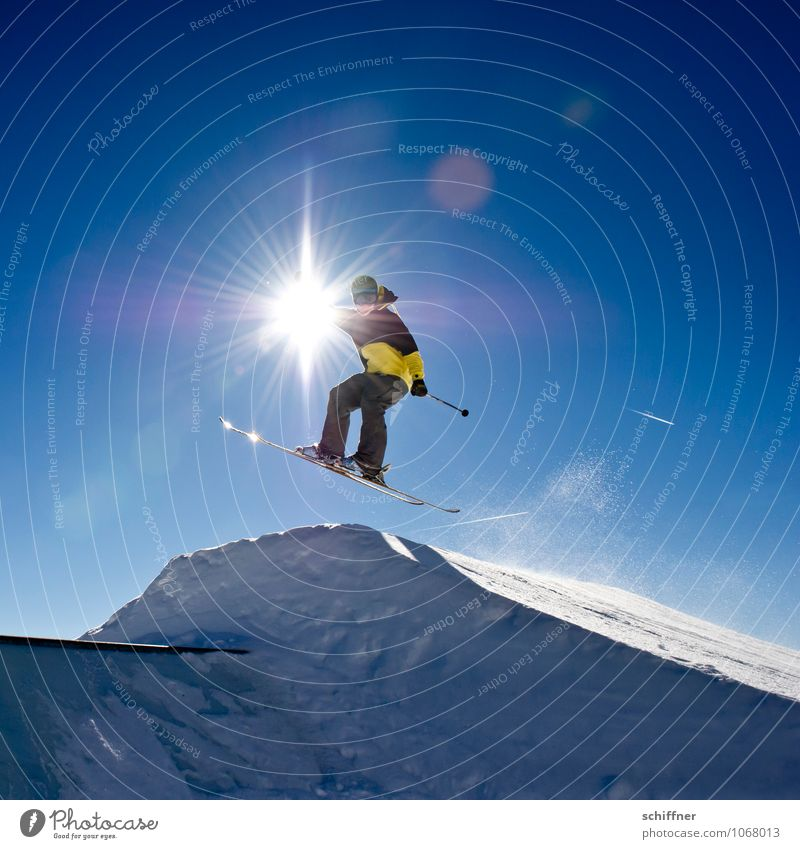 Human being Vacation & Travel Youth (Young adults) Sun Young man 18 - 30 years Winter Adults Snow Sports Flying Jump Lifestyle Masculine Leisure and hobbies