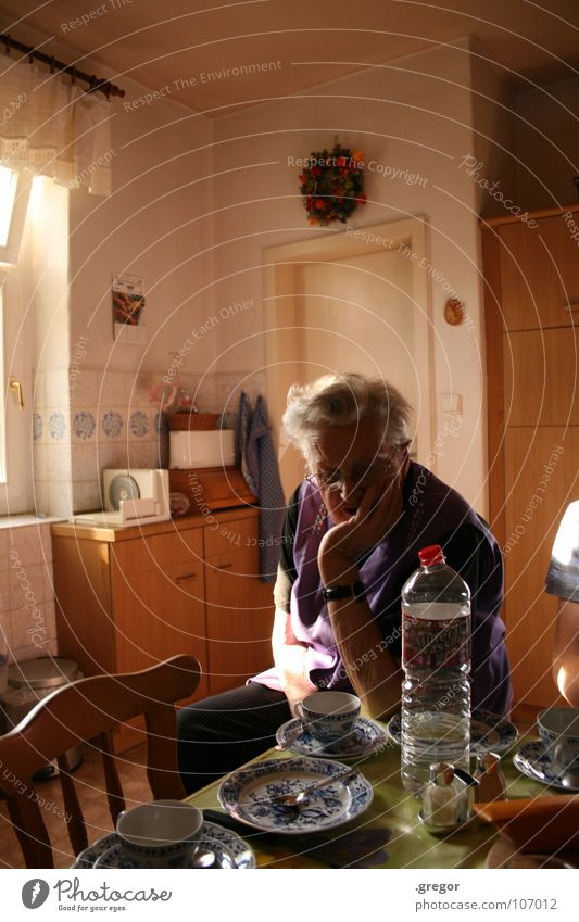 Old Death Senior citizen Time Germany Empty Table Gloomy Coffee Transience Kitchen Violet Female senior Human being Retirement Boredom