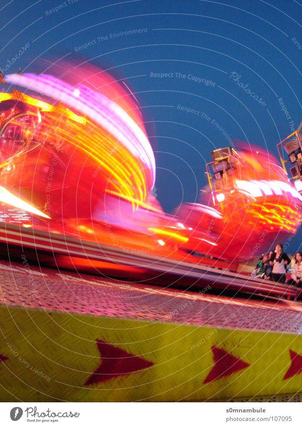 night hype Rotate Speed Red Yellow Night Euphoria Fairs & Carnivals Light Theme-park rides Direction Vertigo Long exposure Joy Oktoberfest Leisure and hobbies