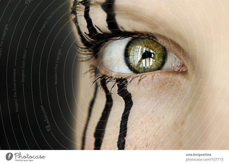 Woman Green Black Eyes Lamp Line 3 Stripe Striped Eyelash Eyebrow Zebra Pupil Iris