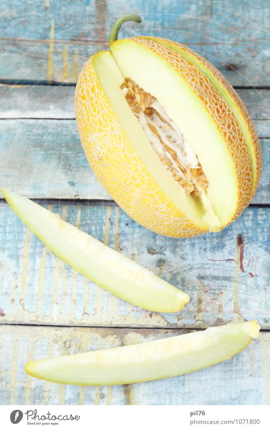 melon Nature Old White Yellow Food Fruit Beauty Photography Refreshment Dessert Juicy Vegetarian diet Consistency Object photography Gourmet Melon Portion