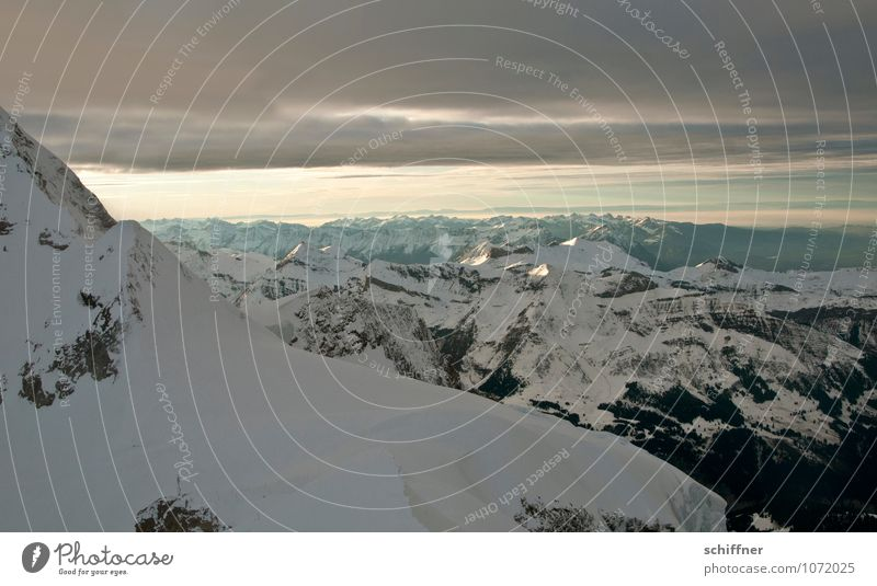Lake Geneva Environment Nature Landscape Climate Climate change Ice Frost Snow Rock Alps Mountain Peak Snowcapped peak Glacier Cold Cloud cover Band of cloud