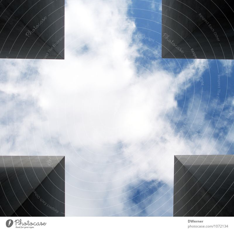 A piece of heaven Tourism Sightseeing Work of art Sculpture Architecture Skyline Tower Manmade structures Wall (barrier) Wall (building) Window