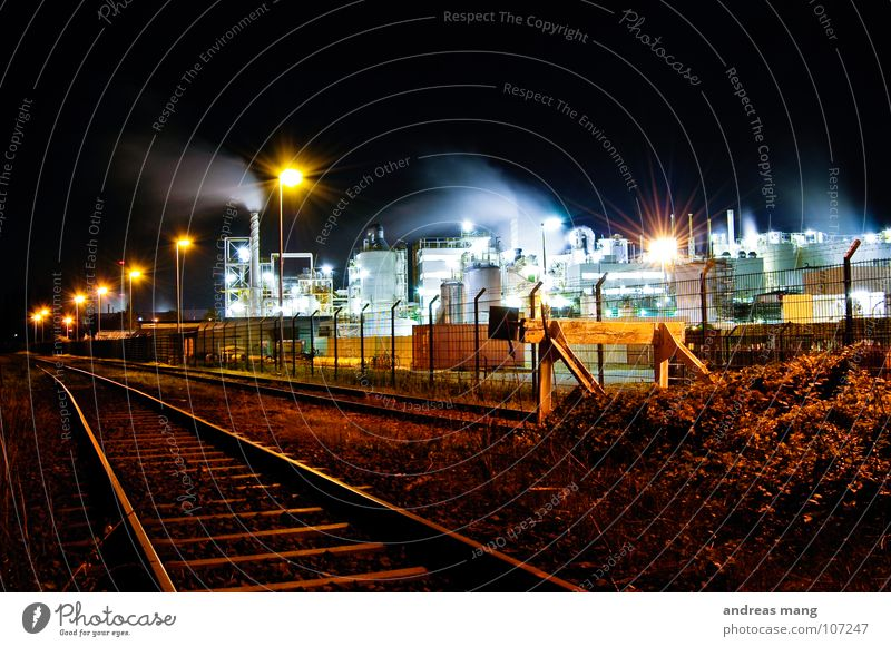 Street Lamp Dark Work and employment Grass Building Bright Lighting Dirty Railroad Industry Industrial Photography Bushes Tower Stop Railroad tracks