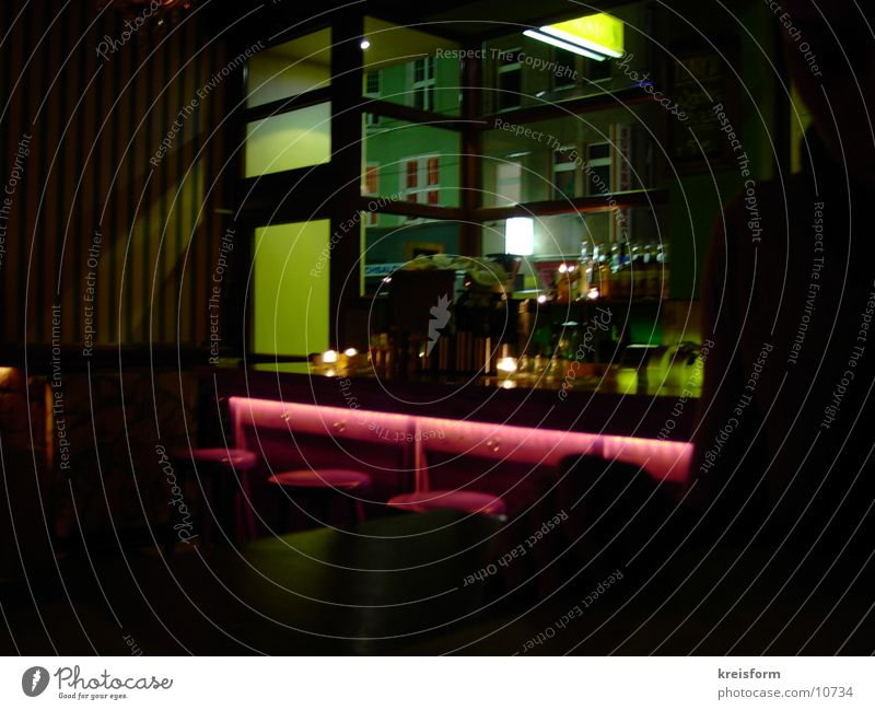 _bAR Bar Light Red Green Long exposure