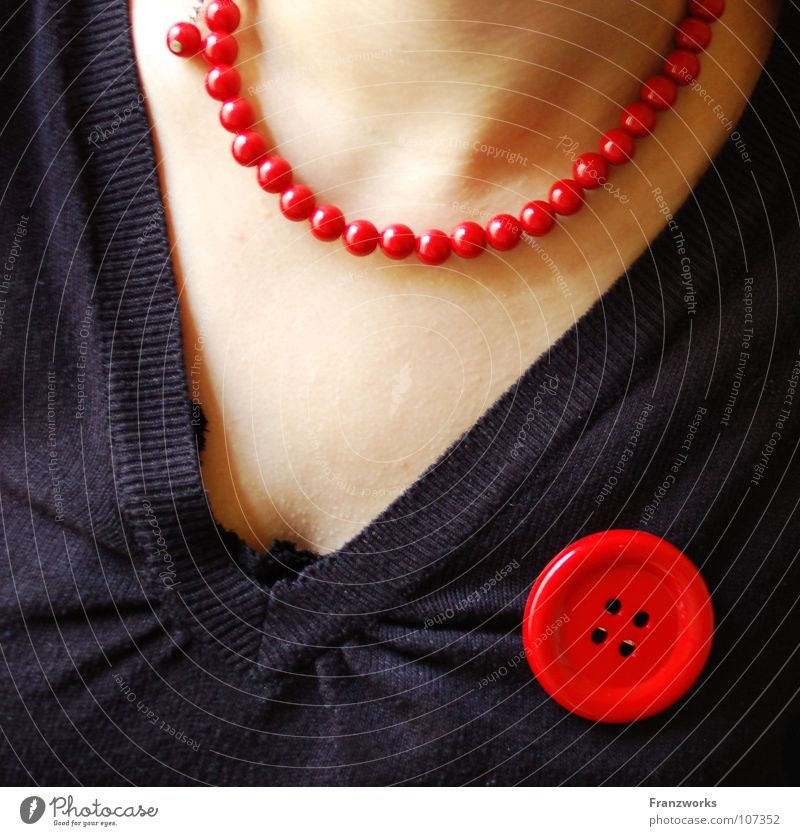 Jewellery & Bones Buttons Red Woman Beautiful Low neckline Sweater Chic Feminine Chain Detail Neck Wrinkles anja monzette-punkette