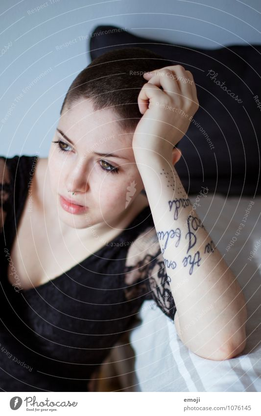 sign Feminine Young woman Youth (Young adults) 1 Human being 18 - 30 years Adults Short-haired Bald or shaved head Uniqueness Tattoo Colour photo Interior shot